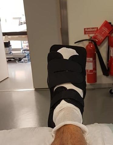 Hade skruv i foten i tio ar